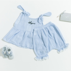 2-piece bowknot sleeveless top and short pant for baby in summer